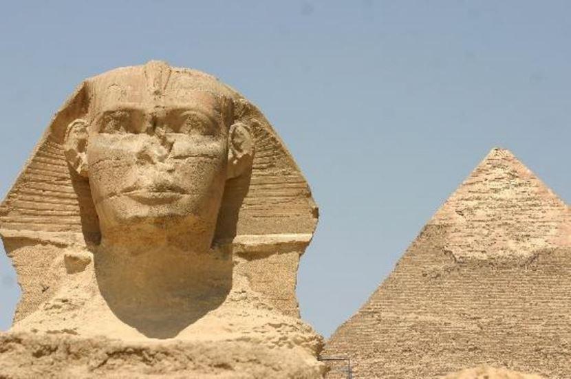 Ausflug von Alexandria nach Kairo mit dem Bus; Pyeamiden ,Museum.