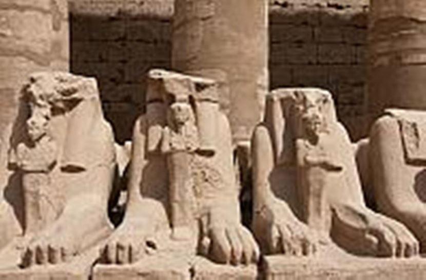 Ausflug von El gouna nach Luxor mit dem Bus